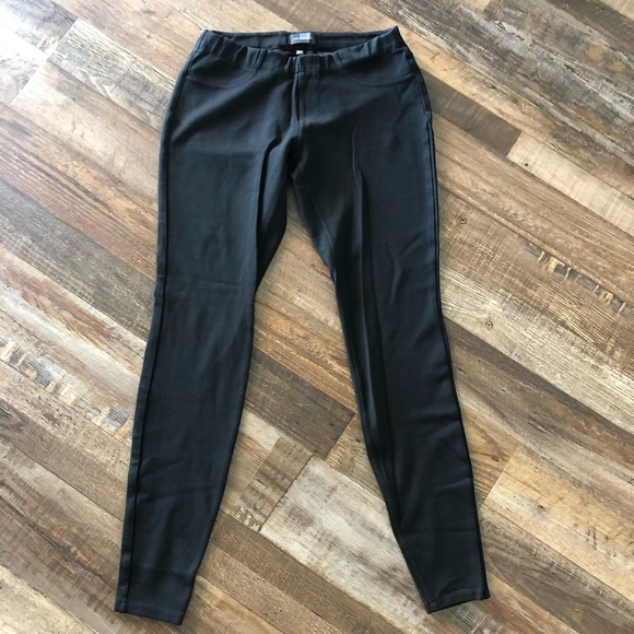 The Limited Pants - The Limited: Black Jeggings size XS